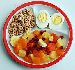 7تا از تنقلات سالم و کم کالری مناسب تغذیه کودکان