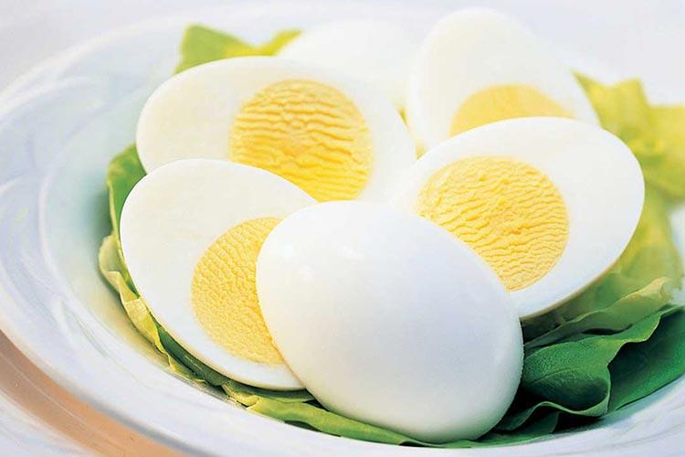 تخم-مرغ-آب-پز